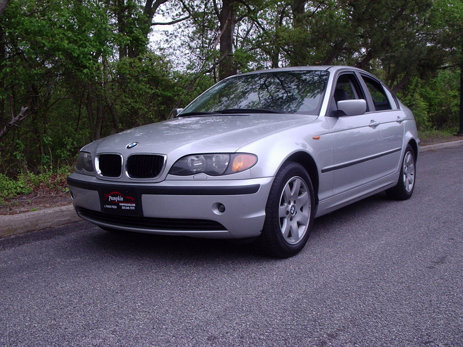 Pumpkin Fine Cars and Exotics: 2003 BMW 325i