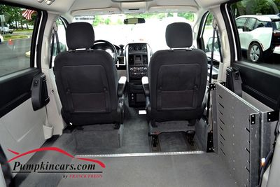 2010 DODGE GD CARAVAN HANDICAP ACCESSIBLE